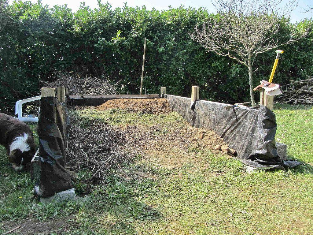 Reportage construction d 39 un potager sur lev en charente for Construction jardin